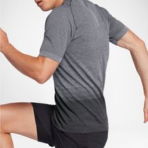 تی شرت ورزشی مردانه نایک - Nike Dri-FIT Knit Men's Short-Sleeve Running Top